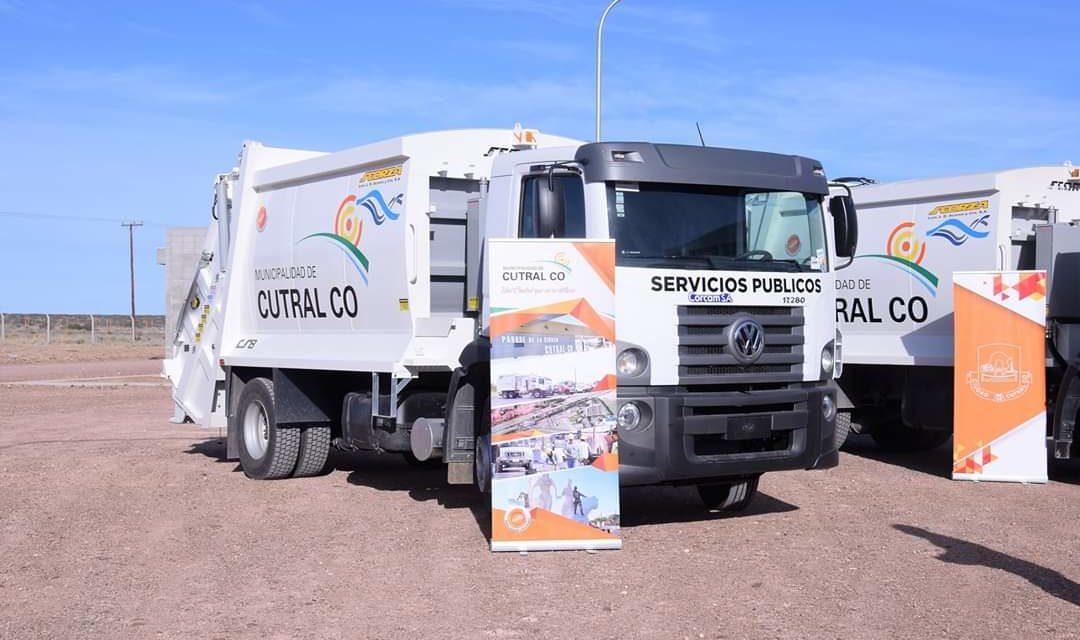 Se entregaron en CutralCo dos Nuevos camiones Recolectores a Servicios Publicos