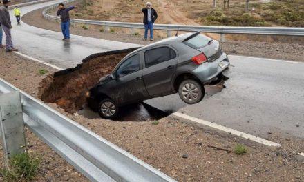 Peligro de derrumbe Ruta 7 acceso autovía Norte en Neuquen