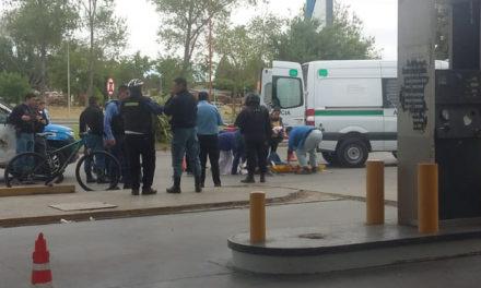 Mujer herida y vidrios rotos fue el saldo de agresiones frente a estación de Servicio
