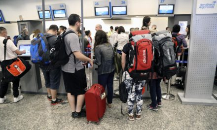 120 los vuelos de Aerolíneas afectados en Aeroparque y Ezeiza