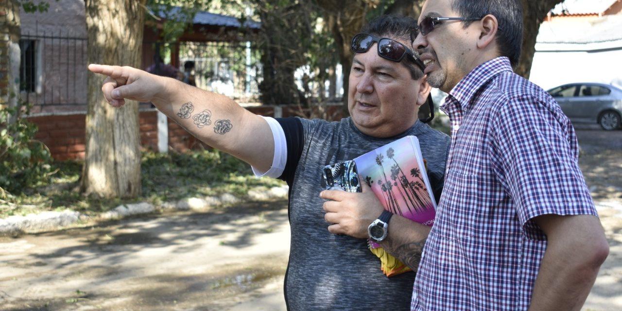 Suárez recorre y visita a vecinos de Plaza Huincul