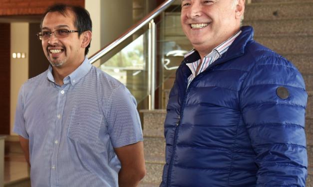 Suarez junto al Ministro de Industria Cordobes Eduardo Accasttello