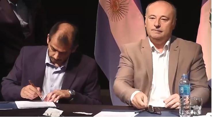 Suárez firma convenio de cooperación con Cordoba