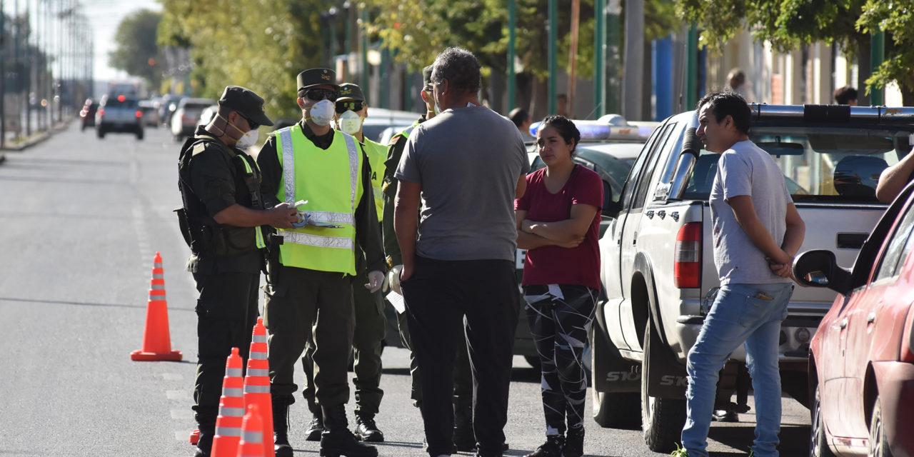 Gendarmería controla los accesos y verifica el Cumplimiento de Cuarentena