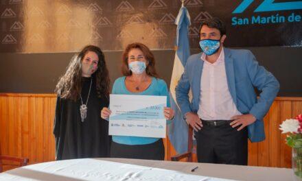 Emprendedora de San Martín de los Andes se le otorga un Microcrédito de 50.000 pesos