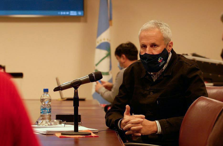 Peressini: El endeudamiento también llegara en apoyo a los municipios y comisiones de fomento.