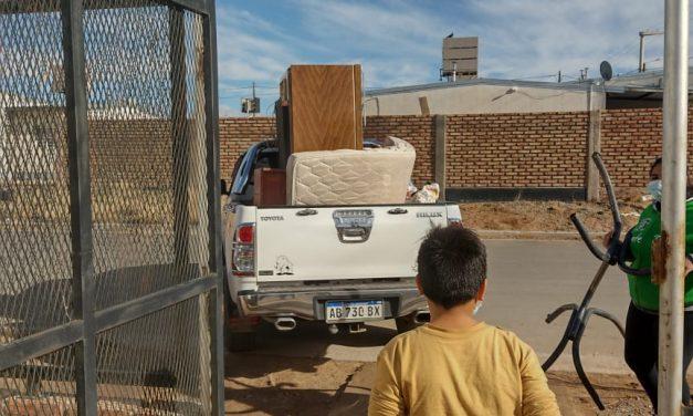 Ultima camioneta con las donaciones desde el Barrio Zanni